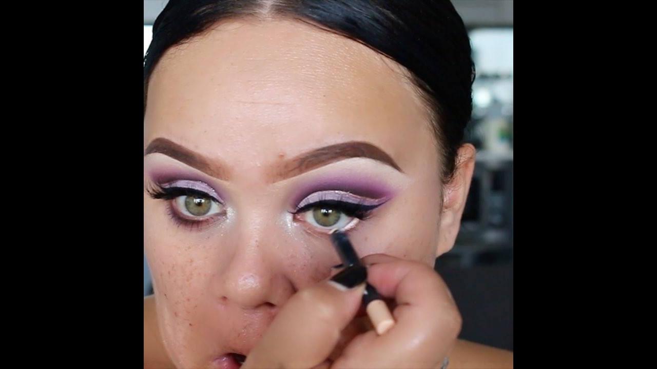 Maquiagem com sombra lilás para festa