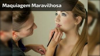 Maquiagem Com Sombra Marrom, Esfumado Preto, E Batom Cor De Boca!