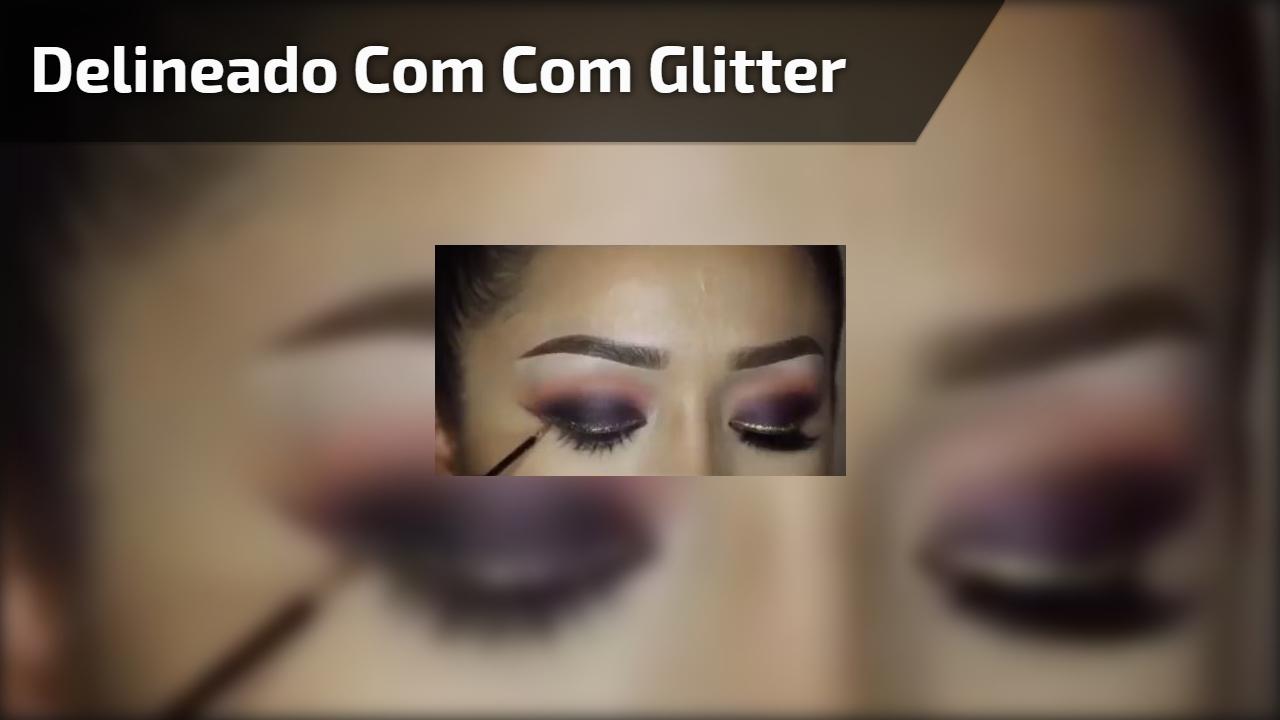 Maquiagem com sombra roxa metálica e delineado com detalhe com Glitter!!!