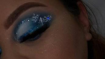 Maquiagem Com Tom Azul E Brilho, Perfeita Inspiração Para O Carnaval!
