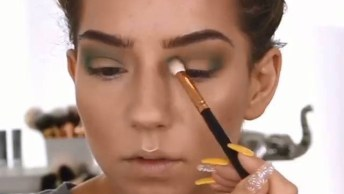 Maquiagem Completa Com Contorno De Rosto E Nariz, E Make Com Batom Vermelho!