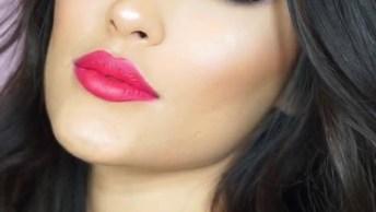 Maquiagem Completa Com Sombra Prata E Delineado Com Brilho Roxo!
