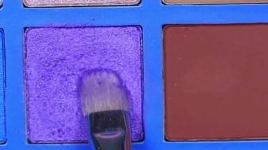 Maquiagem Lilás Com Glitter E Delineado Preto, Você Vai Amar O Resultado!