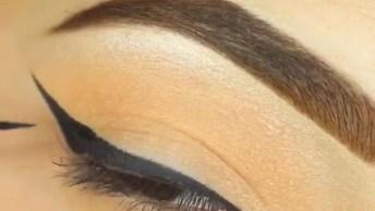 Maquiagem Linda Para Os Olhos Com Delineado, E Detalhe Dourado Na Parte Inferior