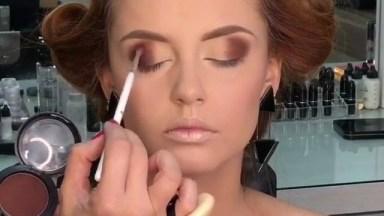 Maquiagem Para Formatura, Com Esfumado Marrom E Preto, E Glitter!