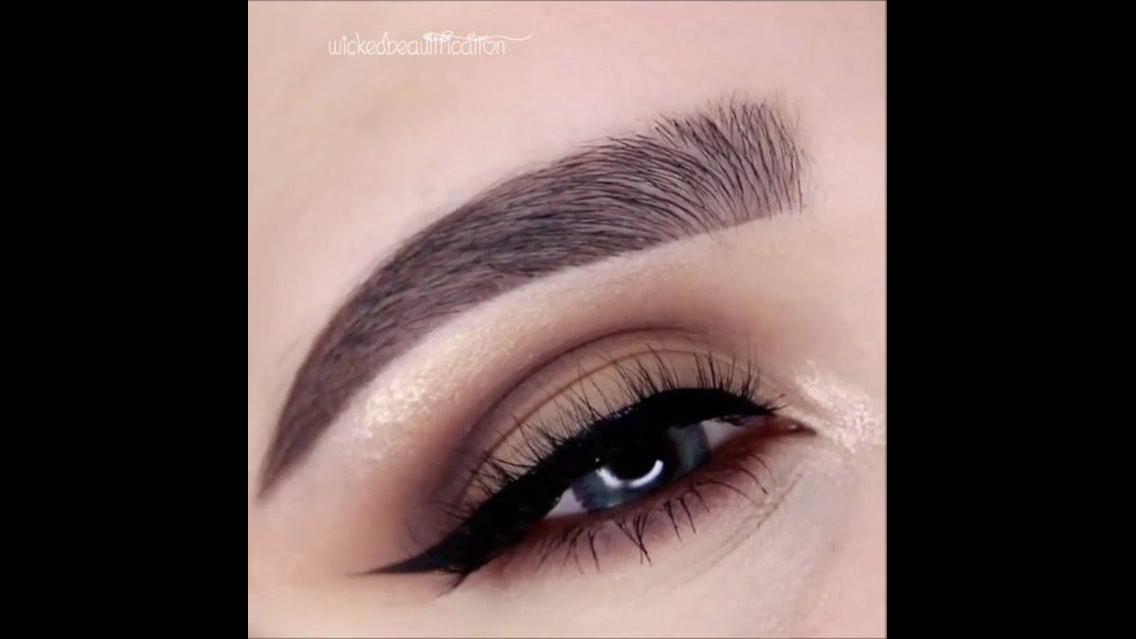 Maquiagem passo a passo para os olhos