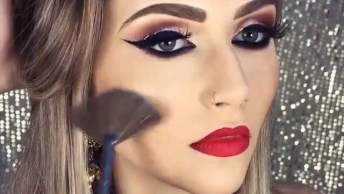 Maquiagens Com Delineados Pretos E Detalhes Com Brilho Por Cima!