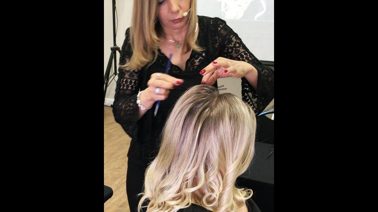 Marcação no cabelo para realização de um penteado