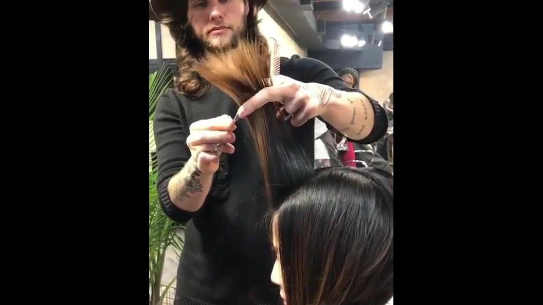 Modelo de corte de cabelo curto, compartilhe no Facebook!