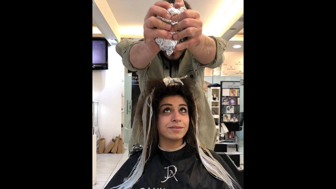 Mudando cabelos castanhos para loiro