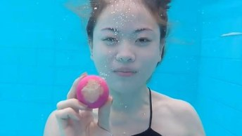 Mulher Faz Maquiagem Embaixo Da Água, Ela Conseguiu O Impossível!
