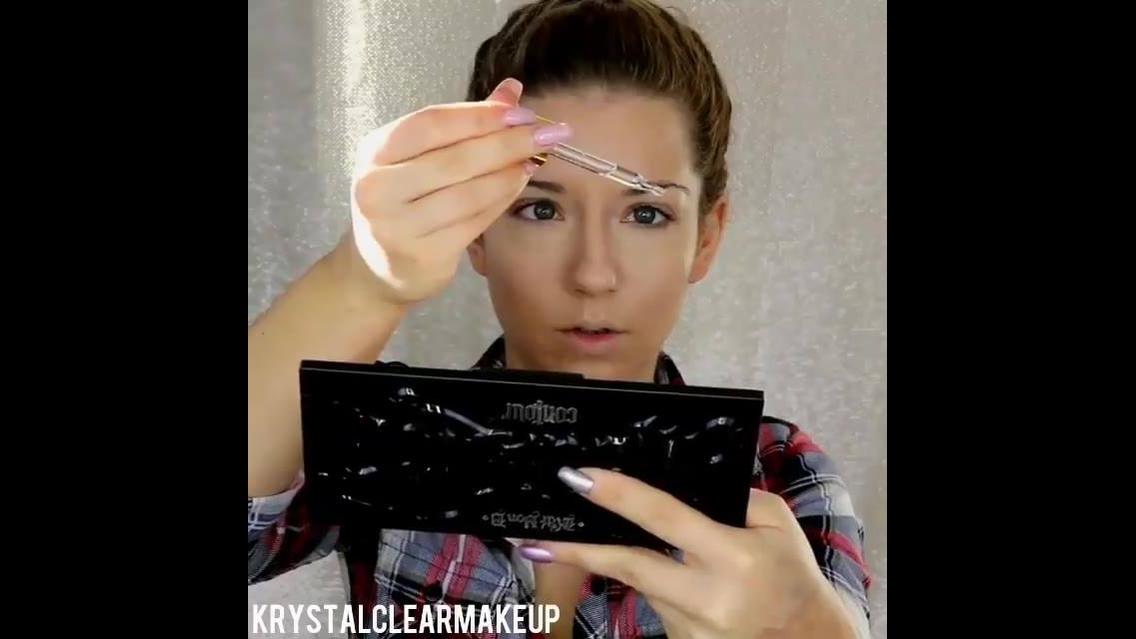 Neste vídeo você vai ver 3 tutoriais de maquiagens