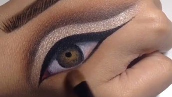 Olhos Maquiados Desenhados Na Pele, Um Lindo Trabalho, Confira!