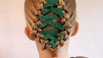 Penteado Com Árvore De Natal Feito Com Fita Para Meninas, Veja Que Lindinho!
