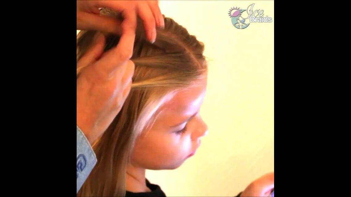 Penteado com trança e fita