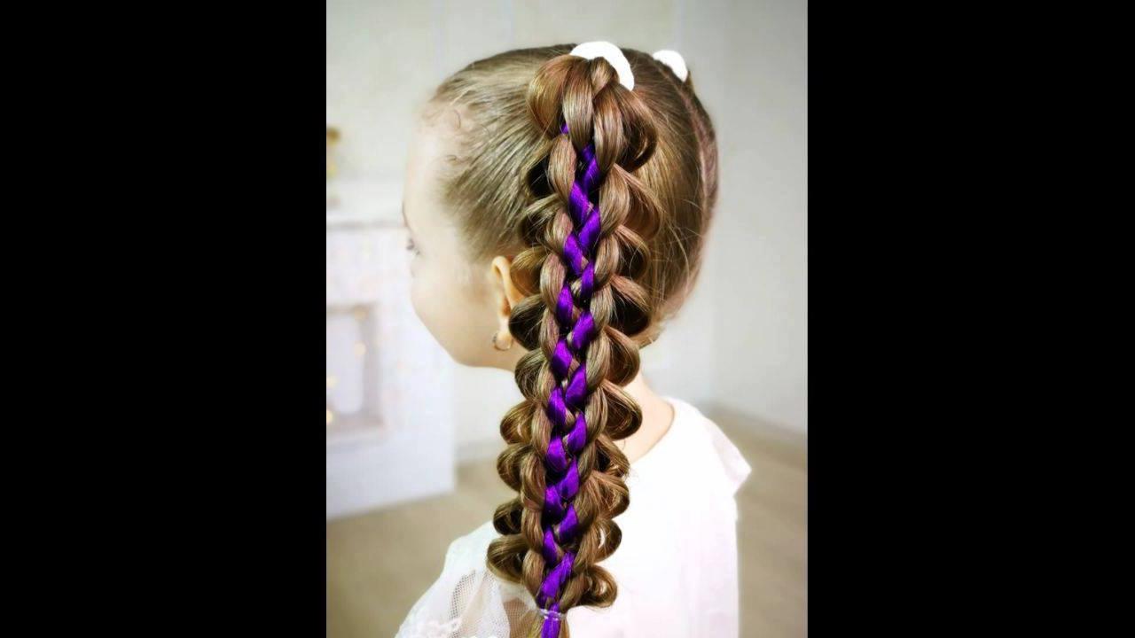 Penteado com tranças e fita de cetim para meninas