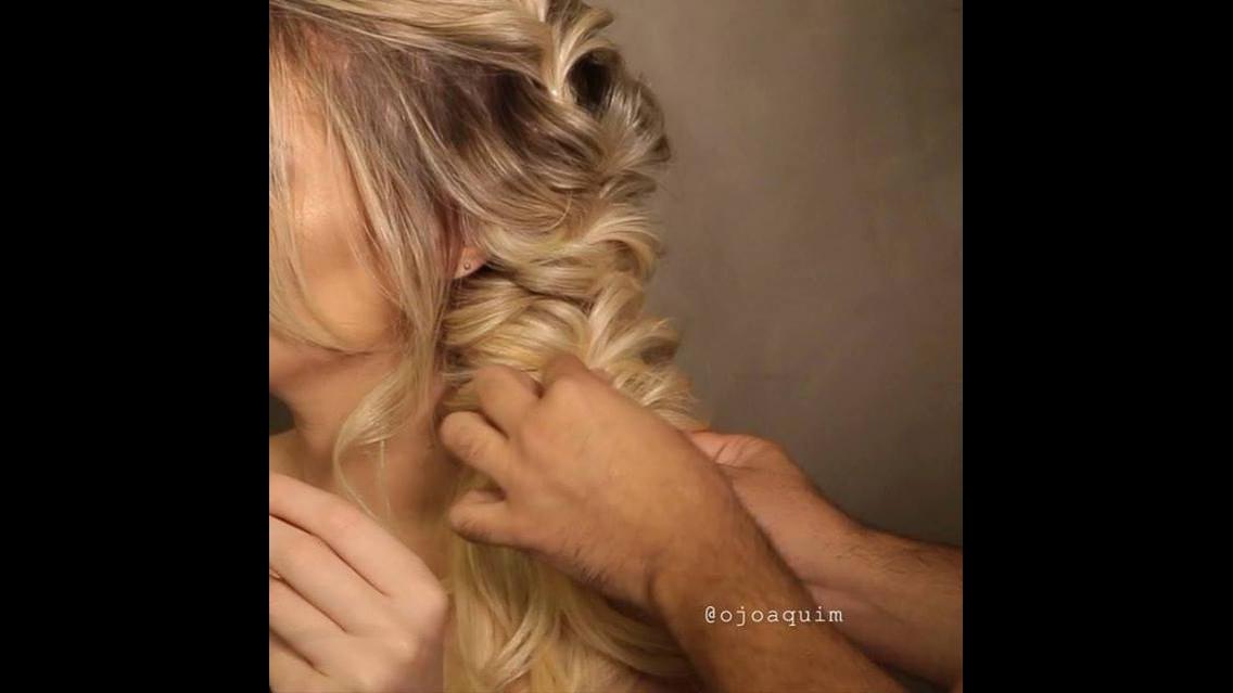 Penteado lateral despojado perfeito para quem gosta de modernidade
