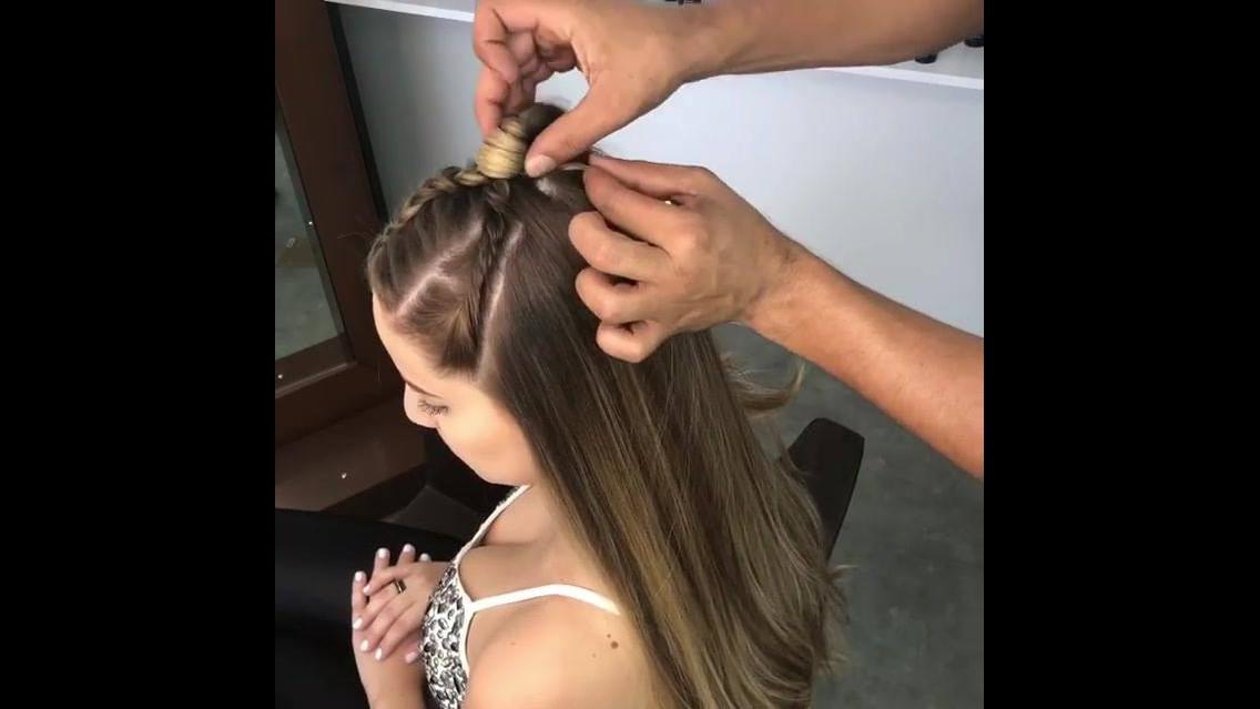 Penteado semi-preso com trança para garotas