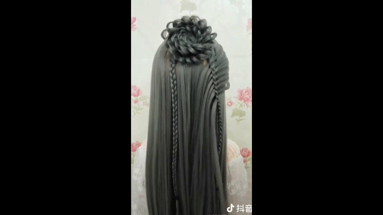 Penteados delicados para cabelos compridos, todos ficam lindos!