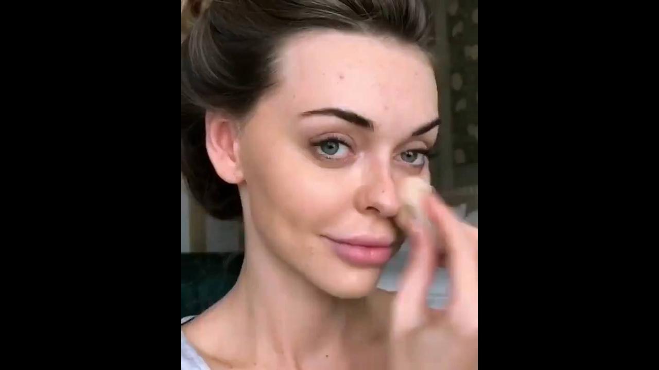 Preparação de pele com contorno, e nos olhos sombra marrom e lilás!!!