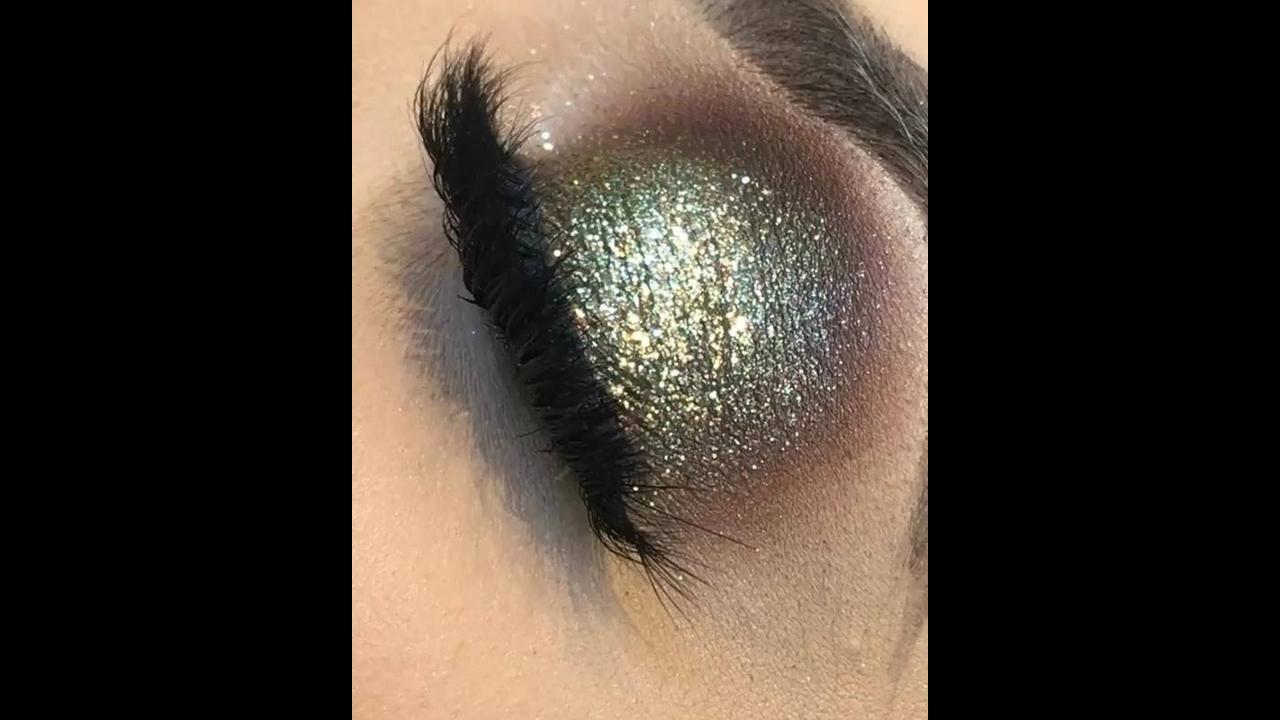 Sombra dourada com Glitter e esfumado marrom, perfeita para festas!!!
