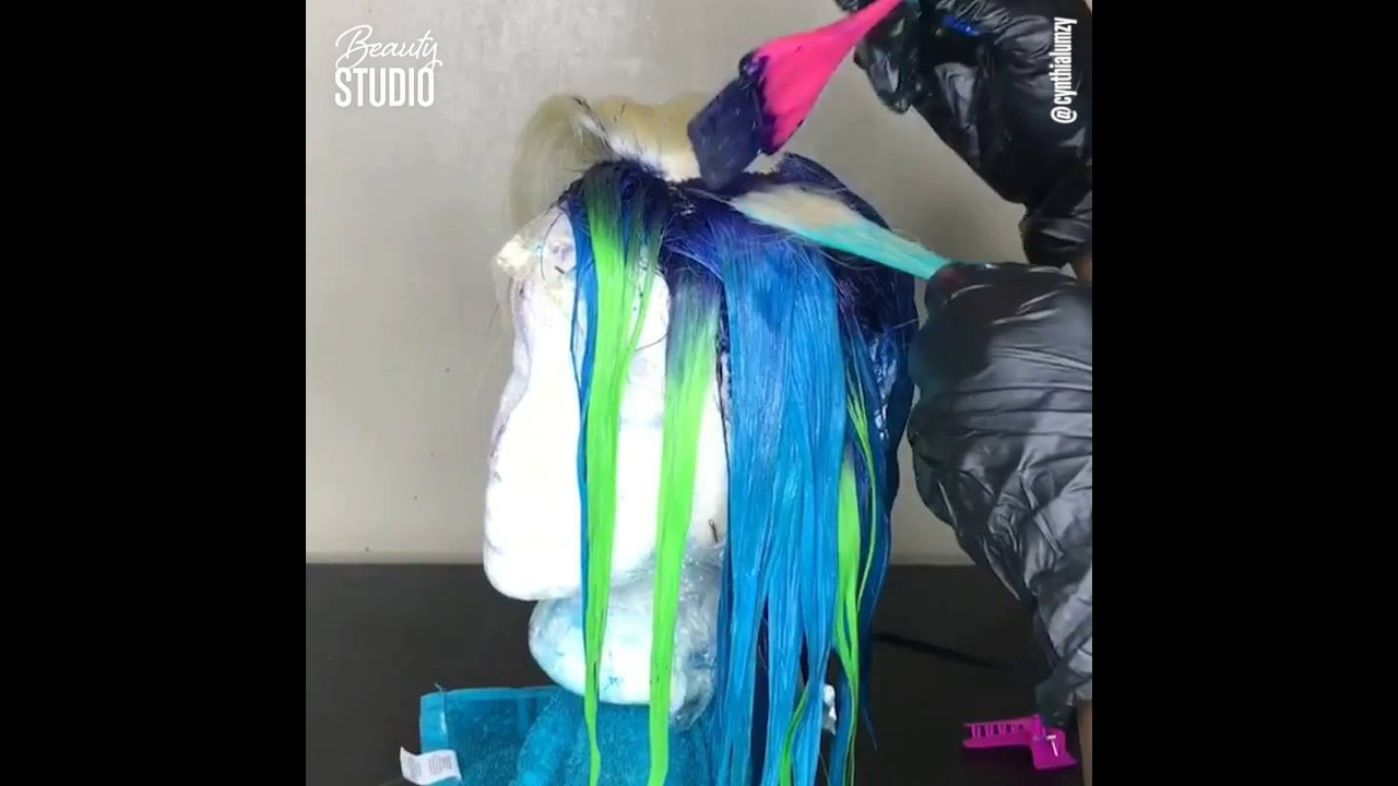 Técnicas para pintar cabelos com várias cores
