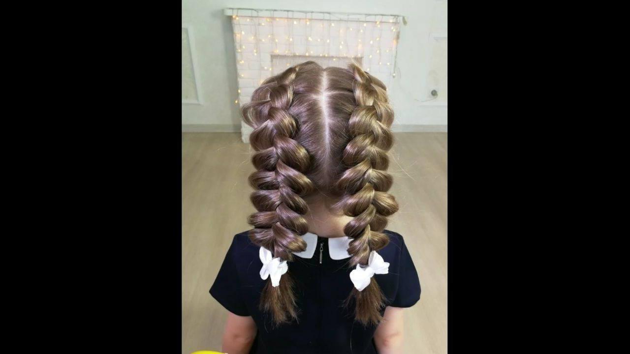 Trança embutida com cabelo repartido no meio para meninas, veja que lindo!!!