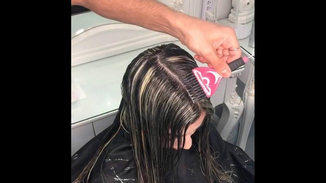 Transformação de cabelo para loiro
