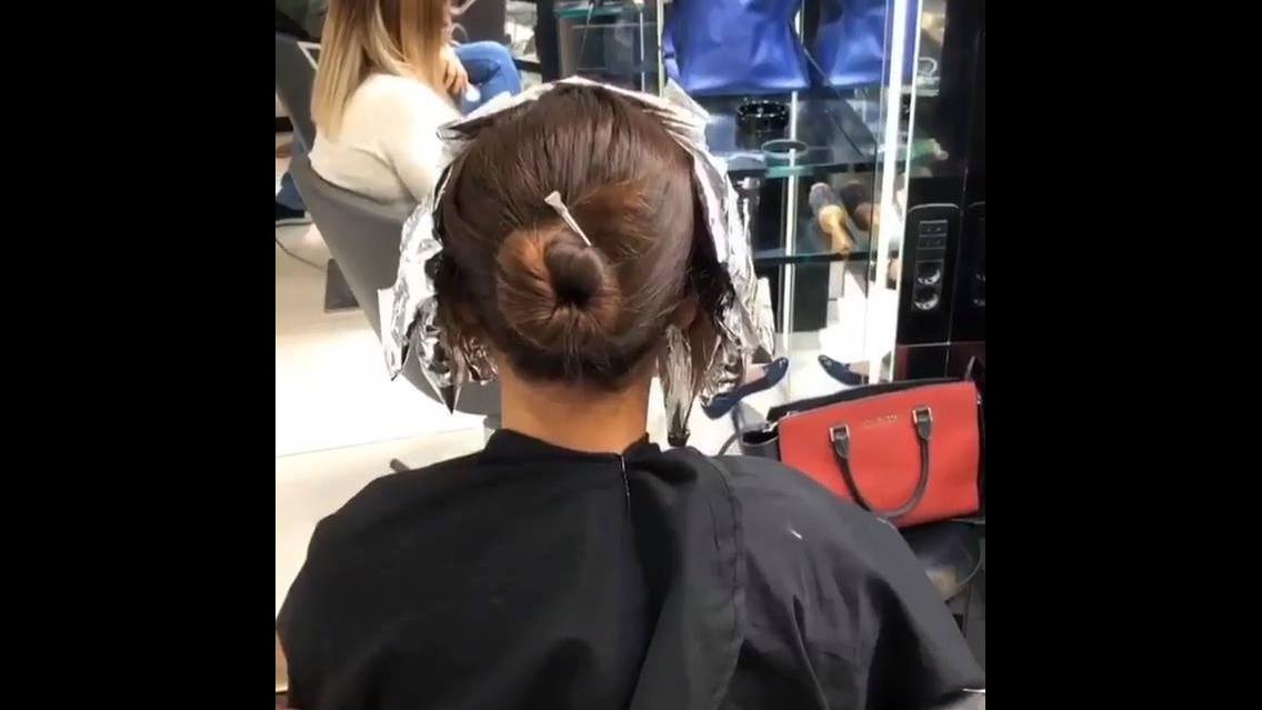 Transformação de cor de cabelo com mega hair