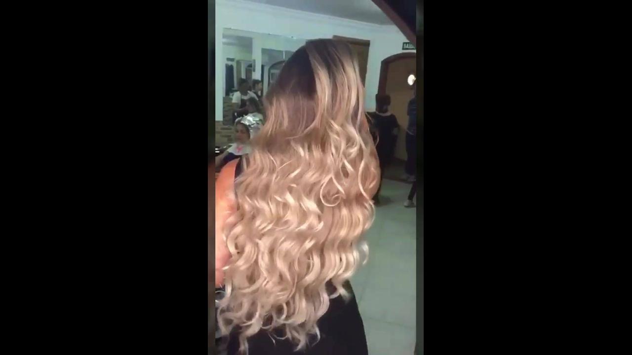 Transformação de cor de cabelo, mudou do castanho para loiro, que lindo!!!
