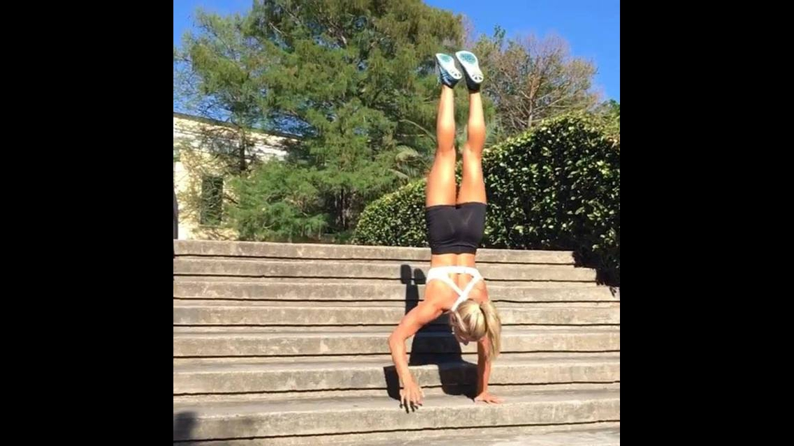 Treino feminino para fortalecer todos os músculos