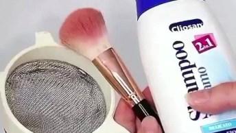 Tutorial De Como Lavar Seus Pinceis De Maquiagem De Forma Simples E Fácil!