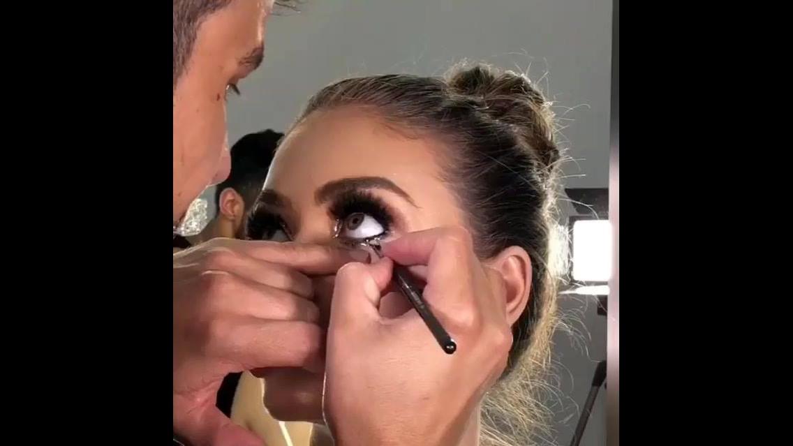 Tutorial de maquiagem com brilho