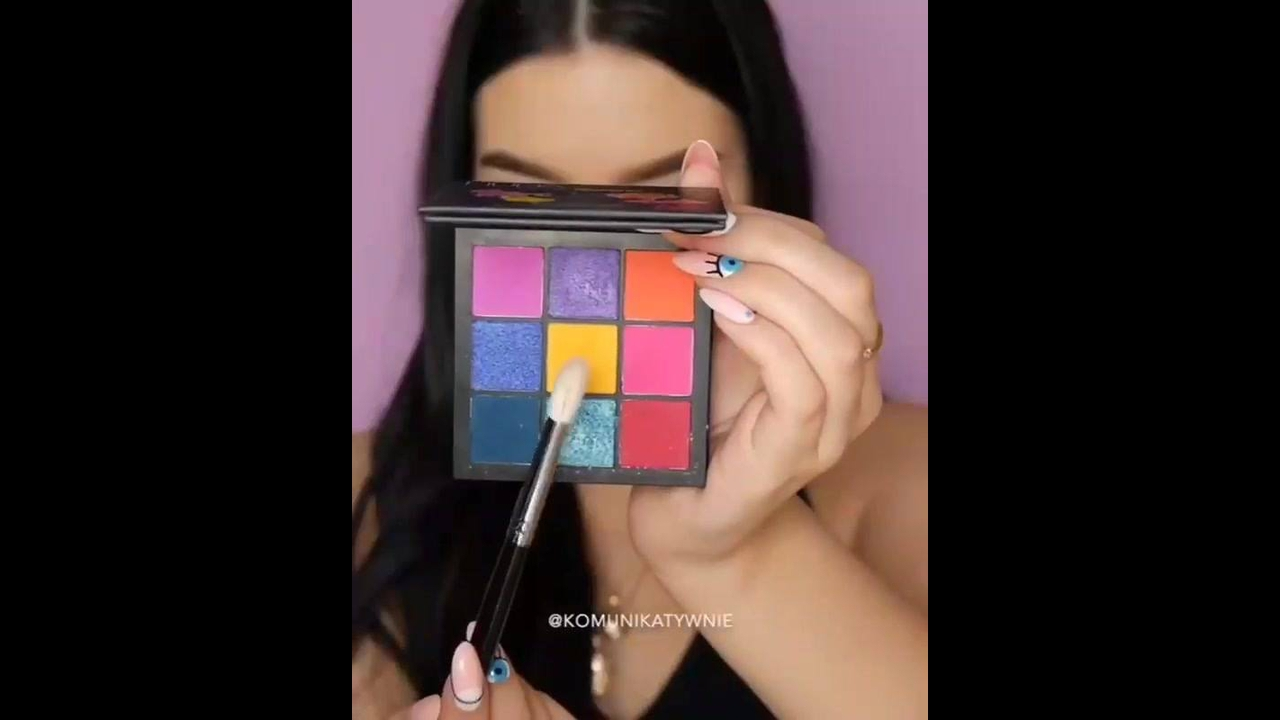 Tutorial de maquiagem com preparação de pele