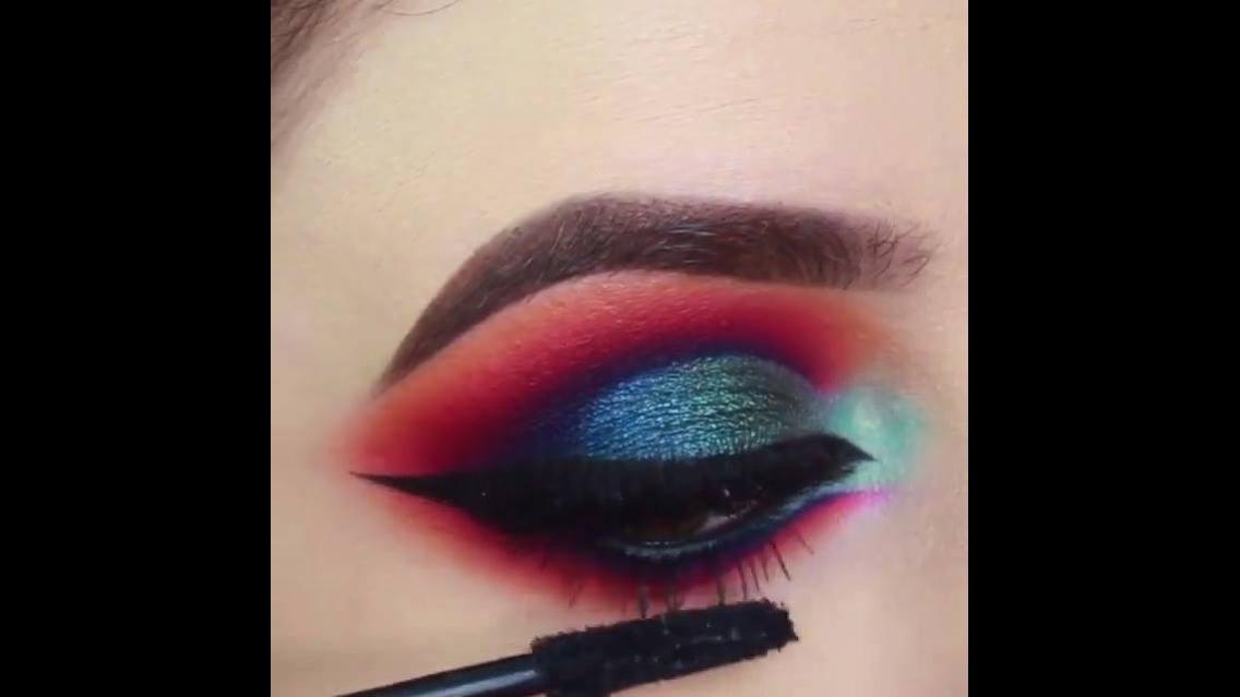 Tutorial de maquiagem com sombra vermelha e azul lindíssima!!!