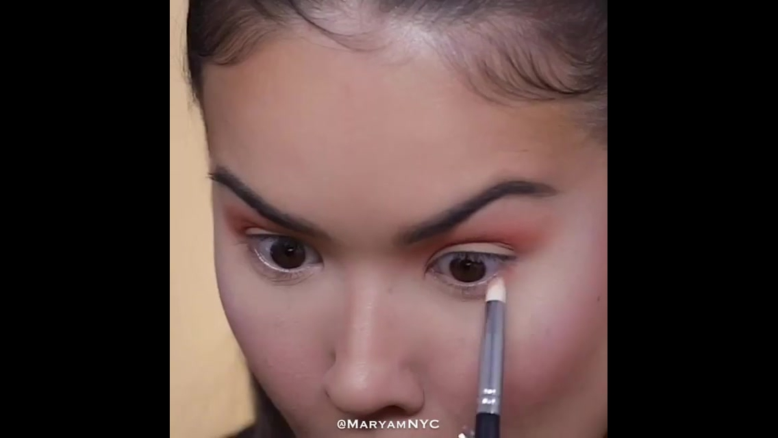 Tutorial de maquiagem passo a passo