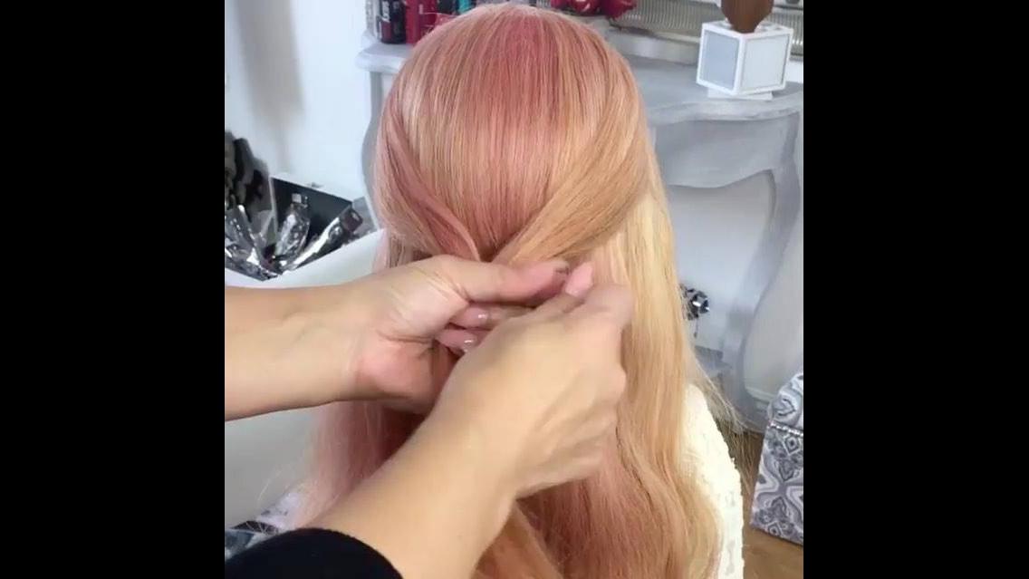 Tutorial de penteado super fácil de fazer e muito bonito, vale a pena conferir!!