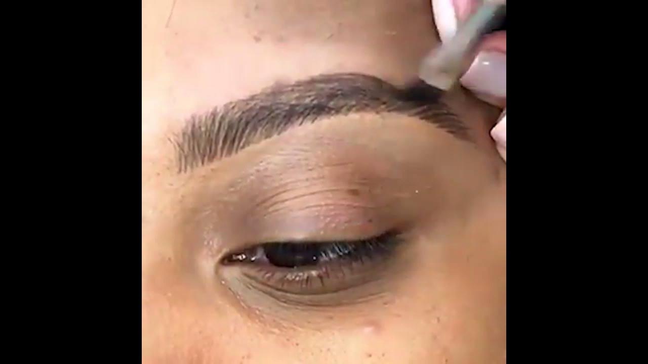 Tutorial de sobrancelhas feita com maquiagem