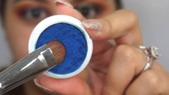 Tutorial De Sombra Azul Com Esfumado Marrom E Delineado Prata, Veja Que Linda!