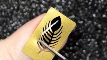 Tutorial De Unhas Com Esmalte Preto E Desenhos Dourados, Veja Como Ficam Lindas!