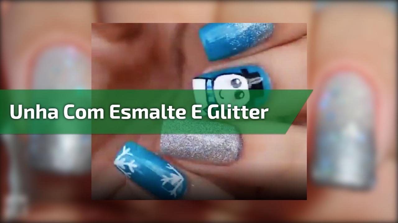 Unha com esmalte azul, e detalhes com Glitter e desenhos para o inverno!!!