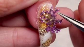 Unha Decorada Com Desenho Feito A Mão, E Aplicação De Flores E Gel Acrílico!