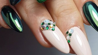 Unhas Na Cor Verde Metálico, Verde Com Glitter, E Rosa Claro!