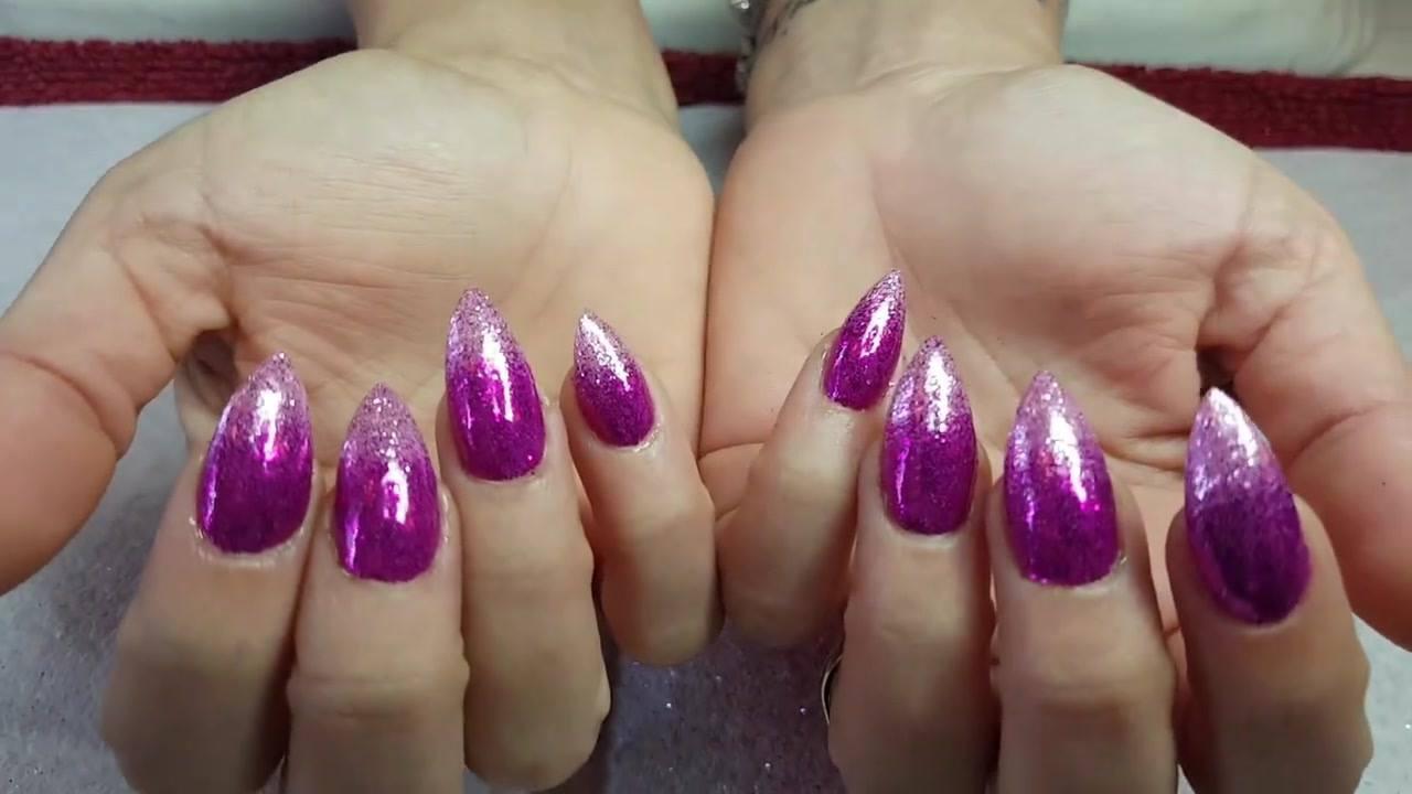 Unhas Pink com pontas mais claras, uma ideia maravilhosa de unha!