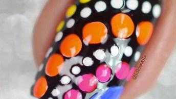 Unhas Pretas Decoradas Com Bolinhas Coloridas, A Cara Do Verão!