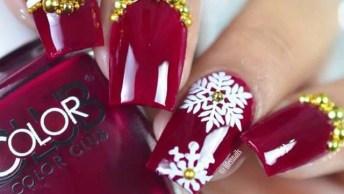 Unhas Vermelhas Com Decoração Natalina Branca E Dourada!