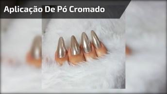 Vídeo Com Aplicação De Pó Cromado Lilás Nas Unhas, Confira!