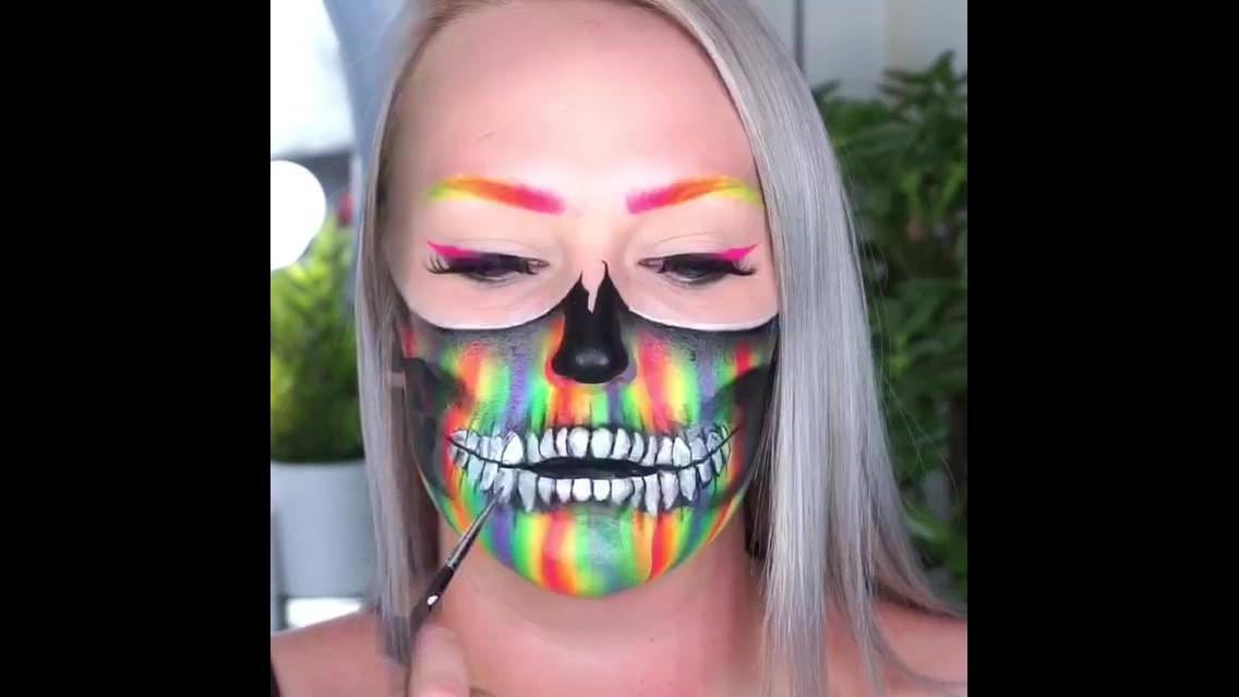 Vídeo com duas maquiagens maravilhosas para o Halloween