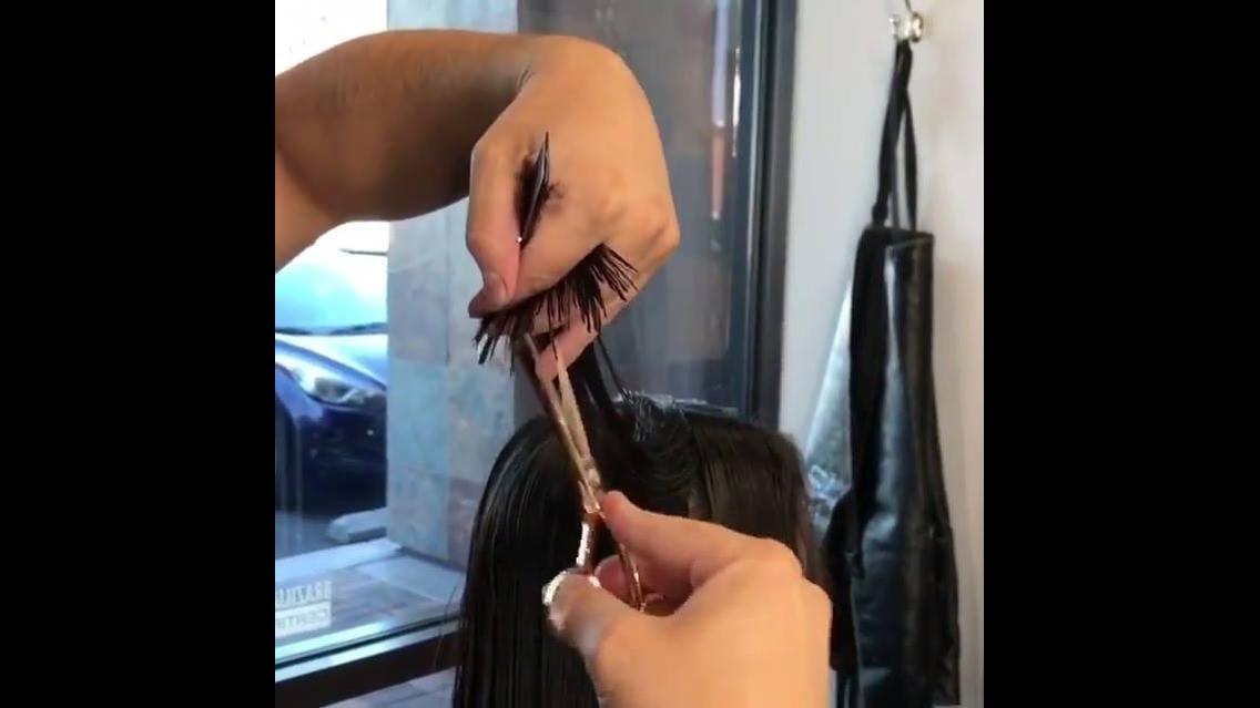 Vídeo com duas transformações de cabelos