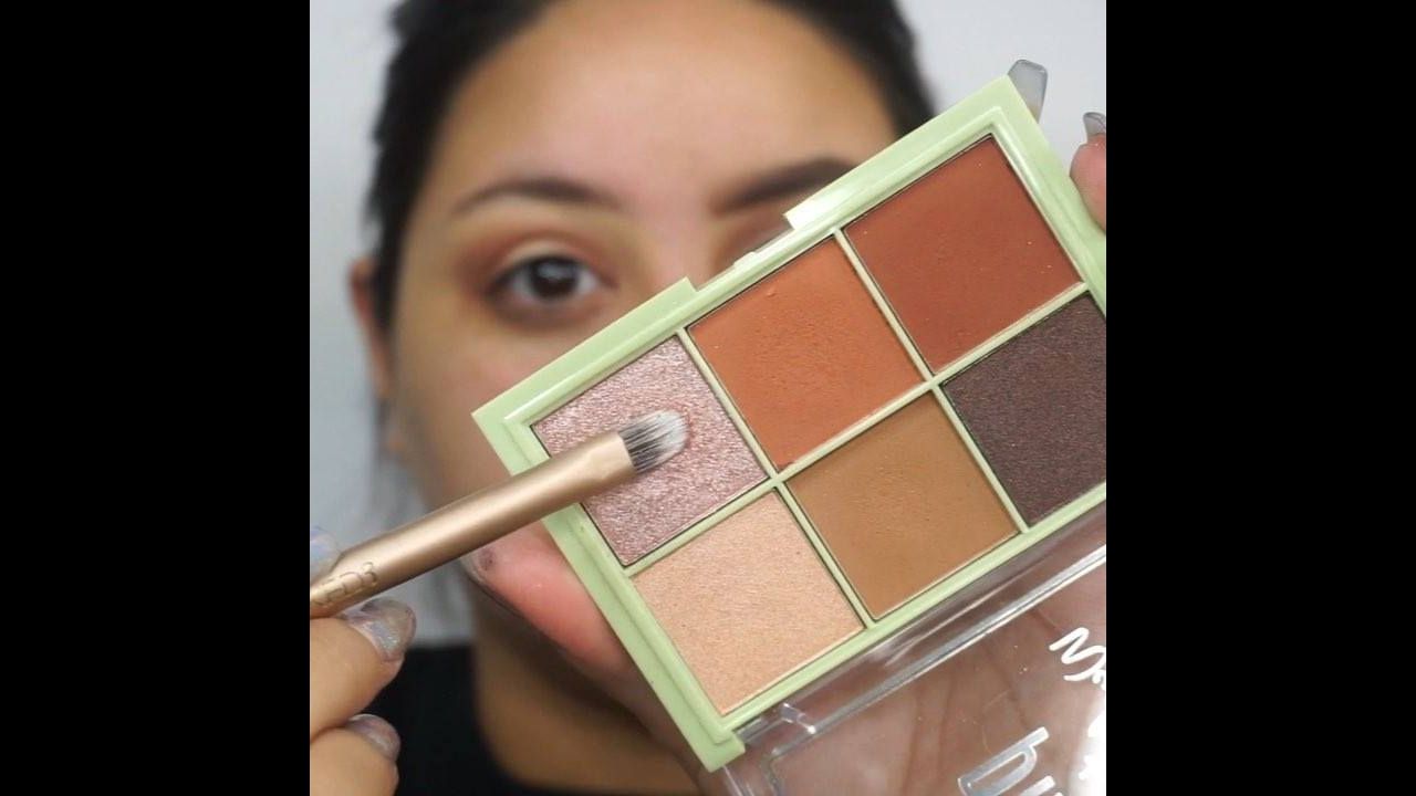 Vídeo com inspiração de make completa, veja que linda preparação de pele!
